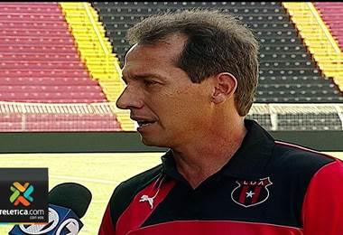 Wilmer López, técnico de Liga Deportiva Alajuelense