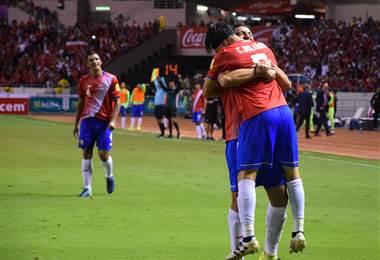 Randall Azofeifa y Christian Bolaños son dos de los futbolistas más experimentados de La Sele |Julio Naranjo.