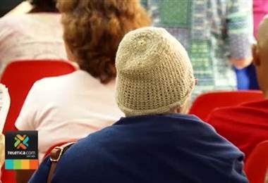 Pacientes con cáncer y familiares pueden recibir apoyo psicológico gratuito