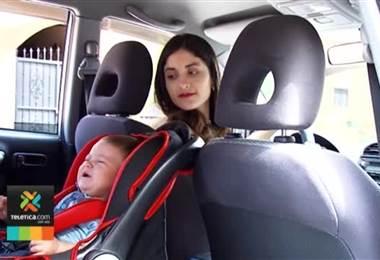 Tránsito detecta cada día tres niños que viajan sin silla de seguridad