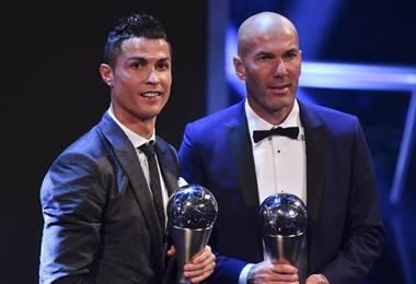 Cristiano Ronaldo y Zinedine Zidane fueron nombras jugador y técnico del 2017.|AFP