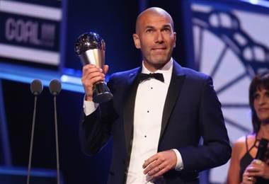 Zinedine Zidane recibió el premio The Best a mejor técnico del año |FIFA.com