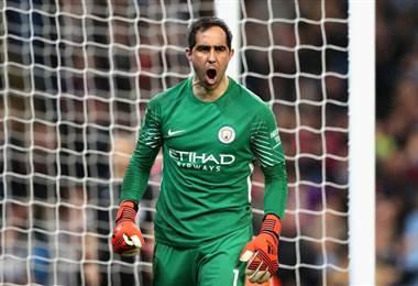 Claudio Bravo, portero chileno del Manchester City.