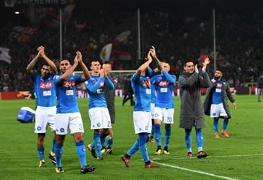 Jugadores de la Lazio celebran su triunfo