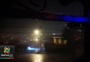 Vecinos de Limón reportan fuertes aguaceros e inundaciones