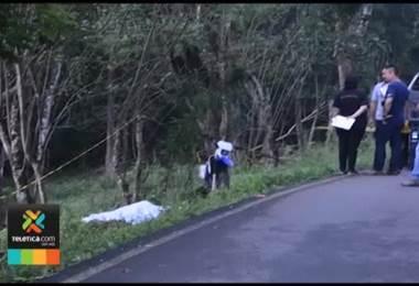 Accidente en motocicleta le costó la vida a un hombre y dejó otro herido en Nicoya