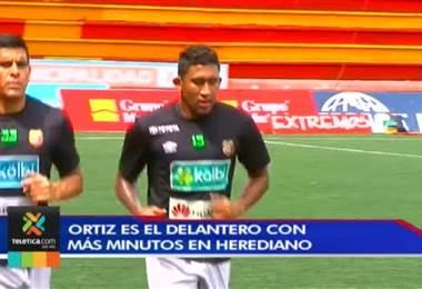 José Guillermo Ortiz le gana la partida a sus compañeros de ataque en Herediano