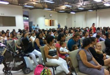 """265 madres solteras entre los 12 y 17 años se graduaron del programa """"Estudia vale por dos"""""""