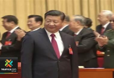 Presidente Xi Jinping anuncia una nueva era del socialismo en China