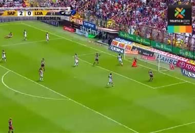Saprissa derrota a un Alajuelense que sigue sumando descalabros