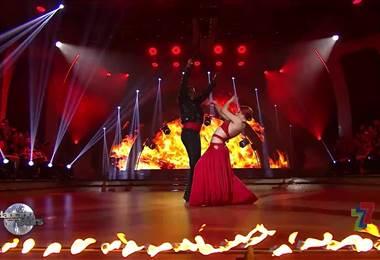 Fitz y Lucía bailaron paso doble en la gala 8 de Dancing With The Stars