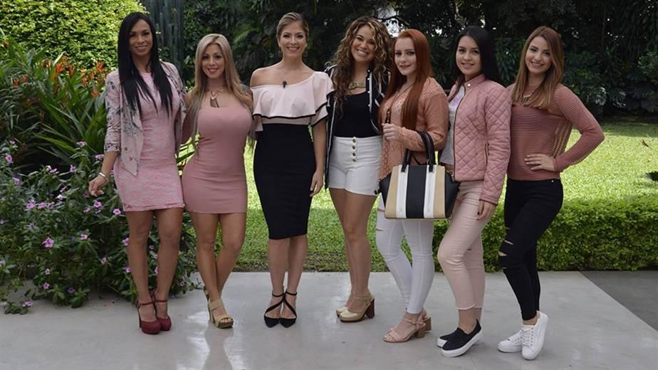 El Color Palo Rosa Está De Moda En Esta Temporada Teletica