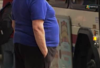 tiene más posibilidades de morir que una persona obesa?