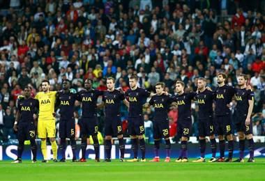 Tottenham suspende de por vida a aficionados que lanzaron orina a los del West Ham