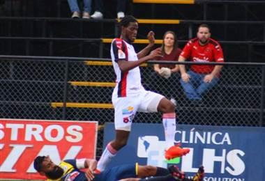Kurt Frederick, jugador de Alajuelense. Prensa LDA