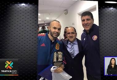 ¿Qué hacía el agente de Danny Carvajal junto con personeros de la Selección en el partido ante España?