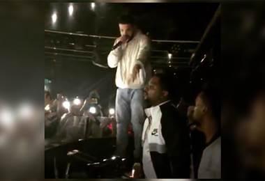 Cantante Drake le dice a un fan que lo sacará del concierto si sigue tocando mujeres