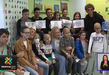 Keylor Navas participó en la reapertura de una planta de oncología de un hospital en Madrid