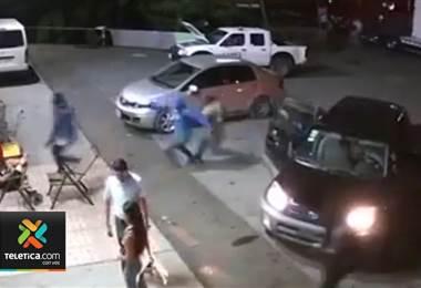 7 hombres armados asaltaron supermercado en Limón