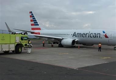 Avión con 155 personas a bordo tuvo problemas para aterrizar