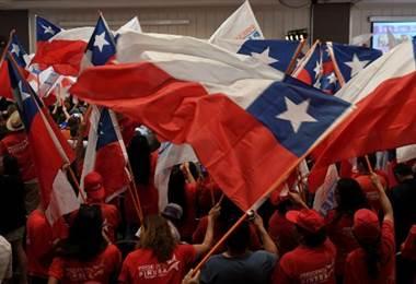 Piñera y Guillier irán a segunda ronda tras elecciones presidenciales en Chile
