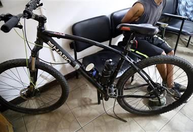 Autoridades detienen a un miembro de la banda 'Los Bicicletas'. Ministerio de Seguridad