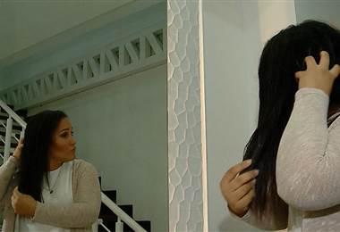 Le enseñamos cómo evitar los nudos en su cabello y a preparar una crema para mantenerlo sano