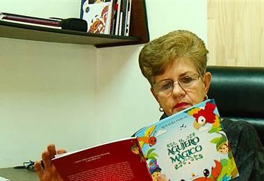 Madre crea libro para beneficiar a los niños con fibrosis quística