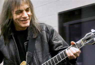 Malcolm Young, guitarrista de AC/DC muere a los 64 años