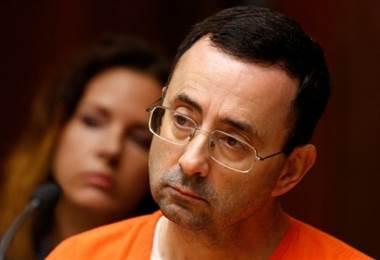 Larry Nassar, el médico que se declaró culpable de abusar de decenas de jóvenes gimnastas en Estados Unidos. BBC