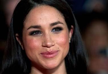 El Palacio de Kensington confirmó que el príncipe Harry y la actriz y la activista humanitaria Meghan Markle mantienen una relación amorosa.