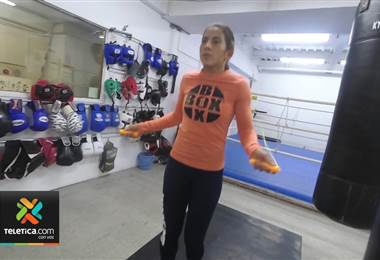 Yokasta Valle se alista para ir por su segunda corona mundial de boxeo en Japón