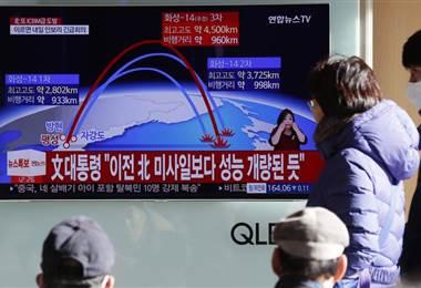 Qué se sabe del Hwasong-15, el nuevo misil balístico intercontinental lanzado por Corea del Norte