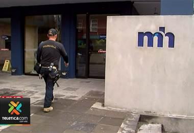 Dos horas duró allanamiento a despacho del viceministro de Hacienda por caso de cemento chino