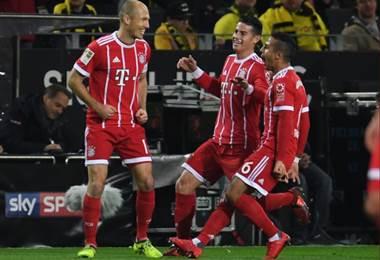 El holandés Arjen Robben marcó el primer gol a pase de James Rodríguez.