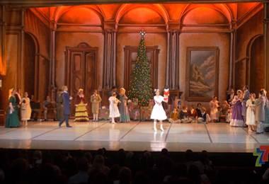 Por octavo año consecutivo, el Teatro Melico Salazar presenta el Ballet el Cascanueces, fenómeno artístico mundial que anuncia la Navidad.