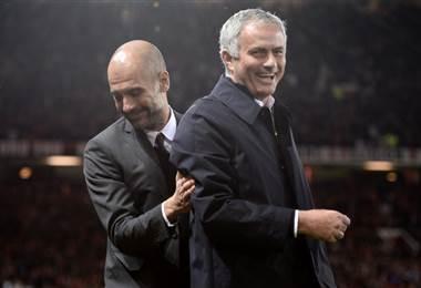 Pep Guardiola y Jose Mourinho, técnicos del City y United respectivamente  AFP.
