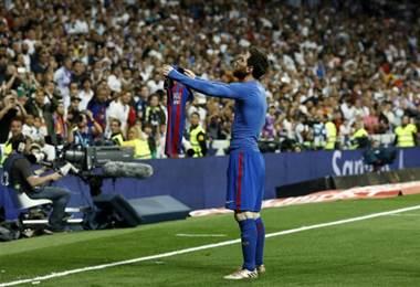 Lionel Messi celebra en el Santiago Bernabéu  Archivo.