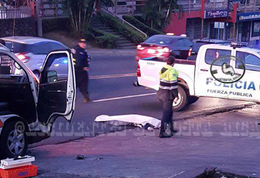 Peatón muere al ser atropellado en San Francisco de Dos Ríos