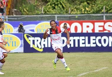 Jonathan McDonald, delantero de Alajuelense.|lda.cr