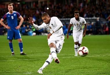 Kylian Mbappe anotó en el amistoso contra Islandia. AFP
