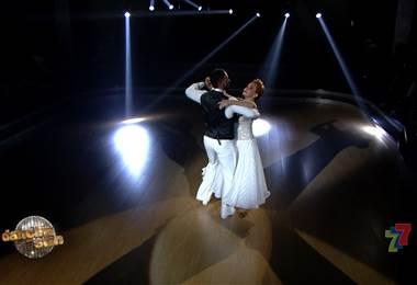 Amanda Moncada vals en la noche de eliminación de Dancing With The Stars