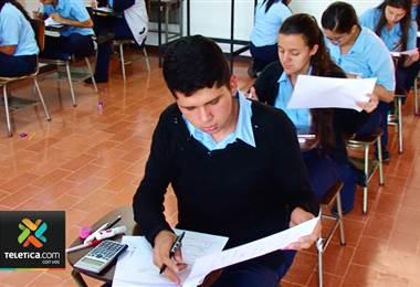 MEP escogió docentes y estudiantes universitarios para ayudar en las pruebas de bachillerato