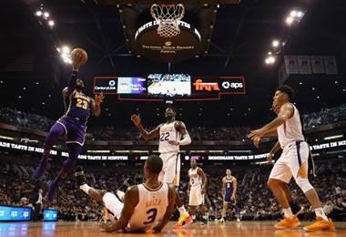 LeBron James de los Lakers. AFP