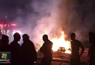Fuerza Pública actuó con gases lacrimógenos para quitar bloqueo en Limón