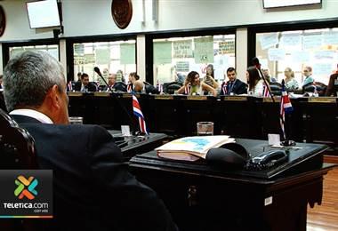 Diputados rechazan moción para poner renta a grandes cooperativas