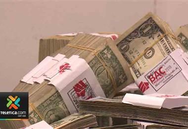 Tipo de cambio del dólar siguió bajando en las últimas horas.
