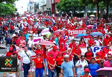 Sindicatos del Magisterio sesionan para definir si aceptan o no levantamiento de huelga