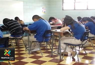 Miles de estudiantes hicieron bachillerato sin saber si habían ganado las asignaturas