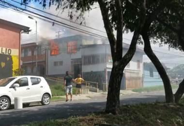 Incendio en Hatillo 8
